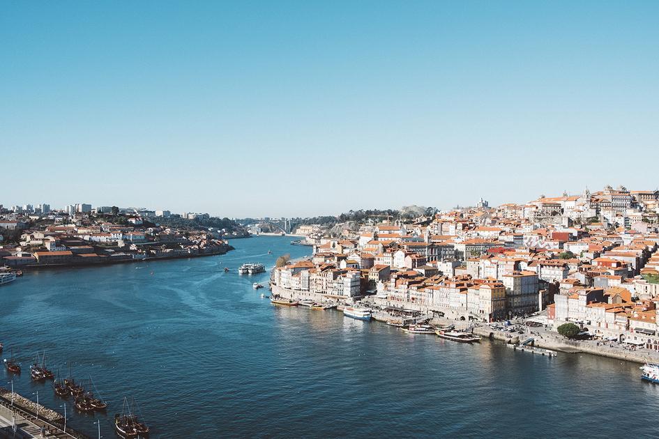 Voos diários para Portugal 1
